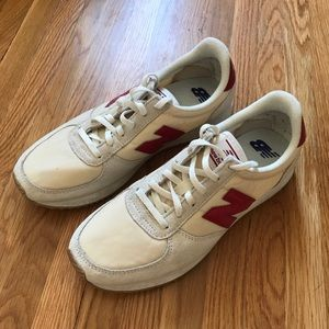New Balance 22v Sneakers